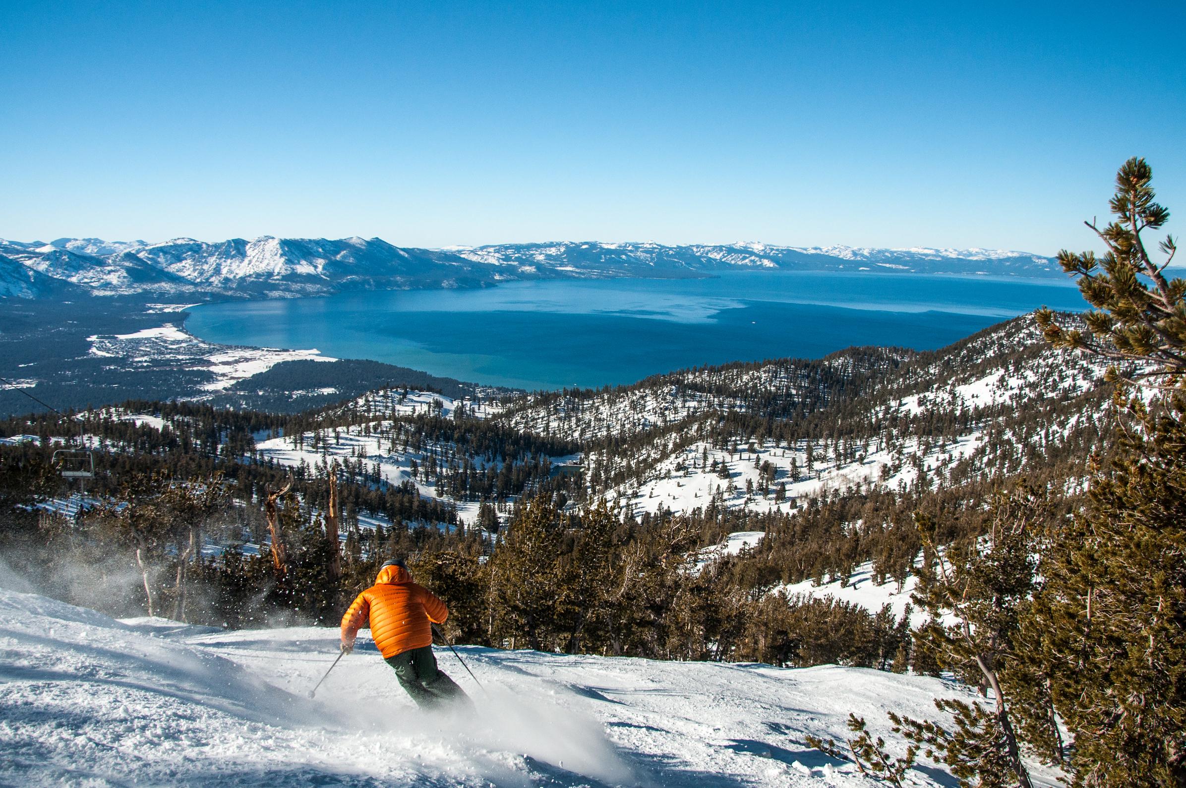 Family Skiing in Heavenly, Lake Tahoe